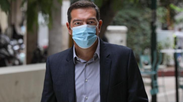 Αλ. Τσίπρας: Η ΕΕ πρέπει να συνεργαστεί με τον ΠΟΥ για ισότιμη και καθολική πρόσβαση στα εμβόλια
