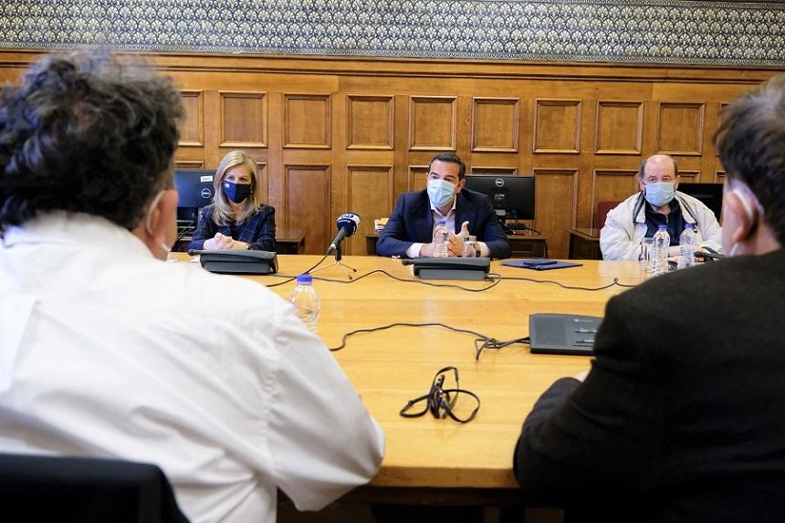 Αλ. Τσίπρας με ΟΛΜΕ: Να ανασταλεί το νέο σύστημα εισαγωγής σε ΑΕΙ που αφήνει εκτός 25.000 μαθητές