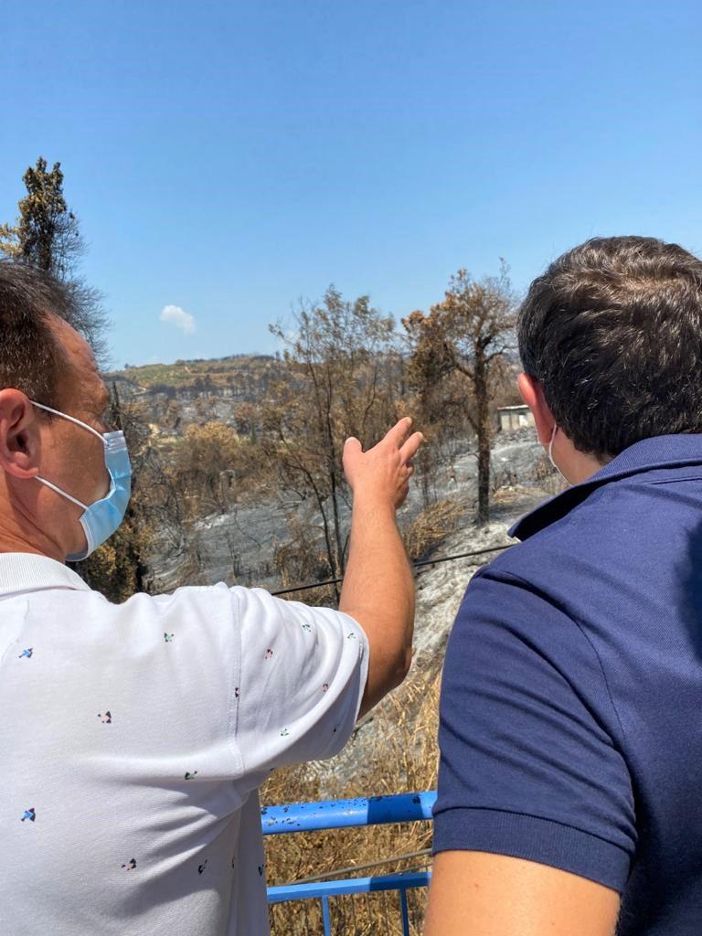 Ο Αλέξης Τσίπρας στις πληγείσες περιοχές της Ηλείας