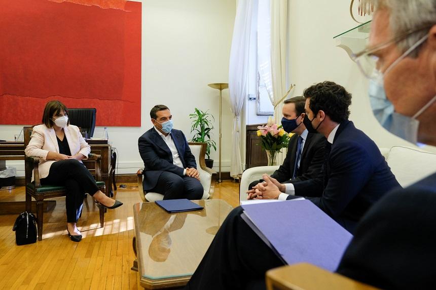 Συνάντηση Αλ. Τσίπρα με τους Αμερικανούς γερουσιαστές Chris Murphy και Jon Ossoff