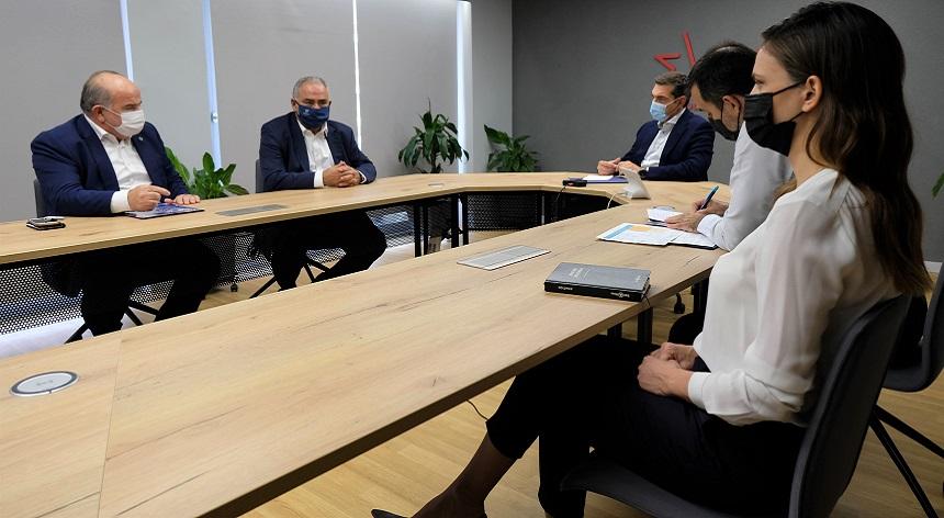 Αλ. Τσίπρας: Στρατηγική της κυβέρνησης για τις ΜμΕ είναι συγχωνεύσεις ή λουκέτο – Πέντε μέτρα «ανάσα» για  μικρές και μεσαίες επιχειρήσεις