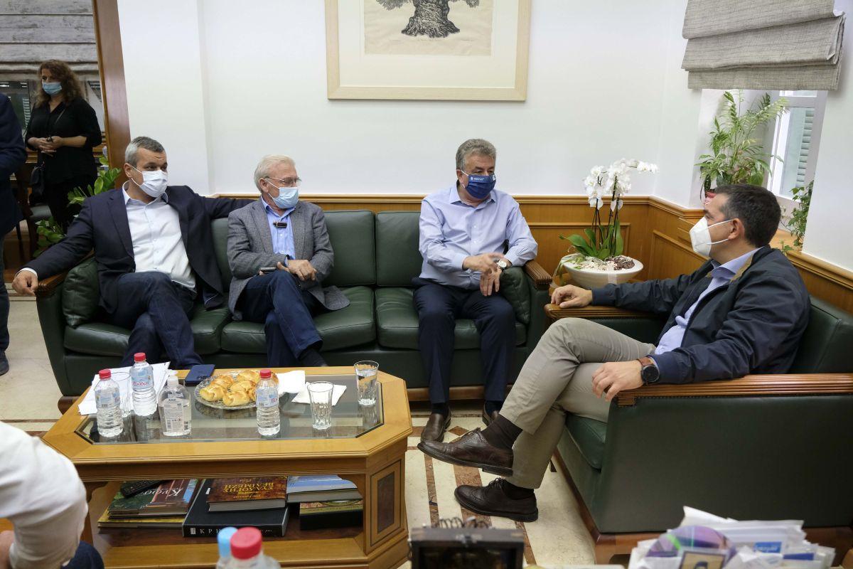 Σύσκεψη με τον Περιφερειάρχη Κρήτης και τους Δημάρχους του νομού Ηρακλείου στην έδρα της Περιφέρειας