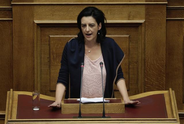Φ. Βάκη: Με αυτή την κυβέρνηση για πρώτη φορά πέρασαν από το ταμείο εκλεκτοί σας φίλοι και πλήρωσαν