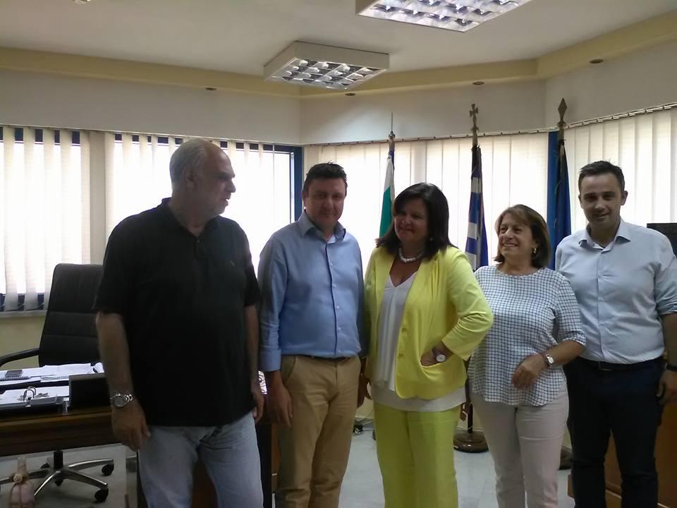 Συνάντηση της Χ. Καφαντάρη με το δήμαρχο Αγίας Βαρβάρας Γ. Καπλάνη