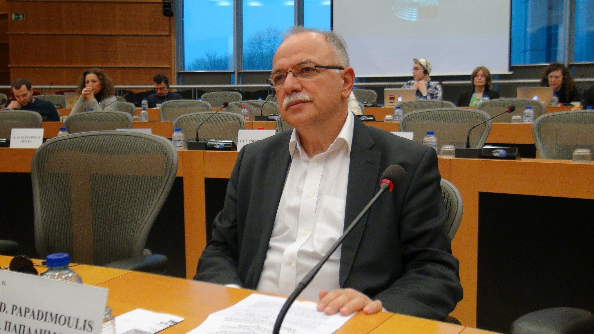 Συνομιλία Δ. Παπαδημούλη με έφηβους αντιπροσώπους από τις 28 χώρες κράτη-μέλη της ΕΕ