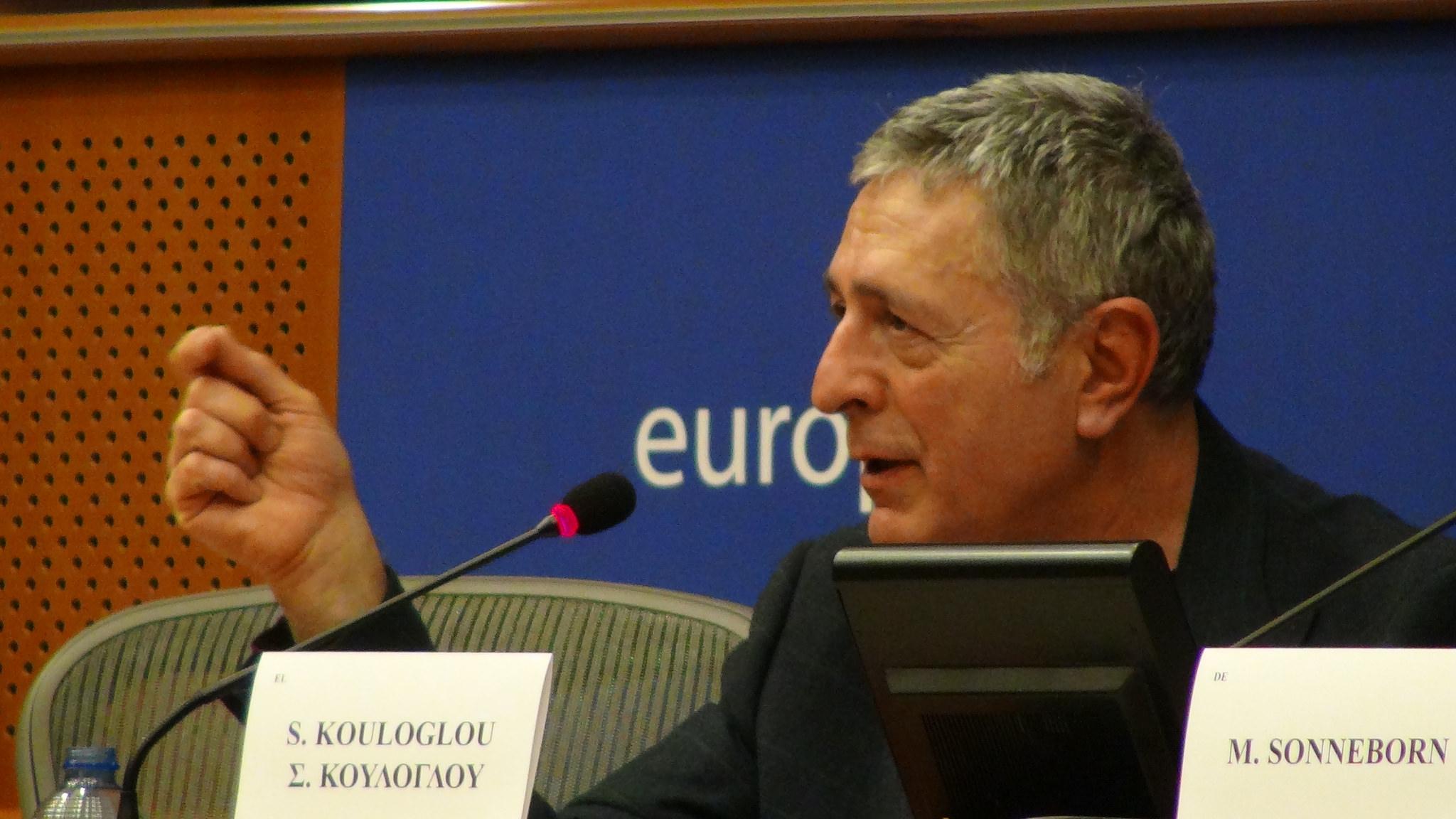 Στήριξη Γιούνκερ σε πρόταση Κούλογλου και Χατζηγεωργίου για σύσταση μόνιμης Επιτροπής στο Ευρωπαϊκό Κοινοβούλιο κατά της φοροδιαφυγής
