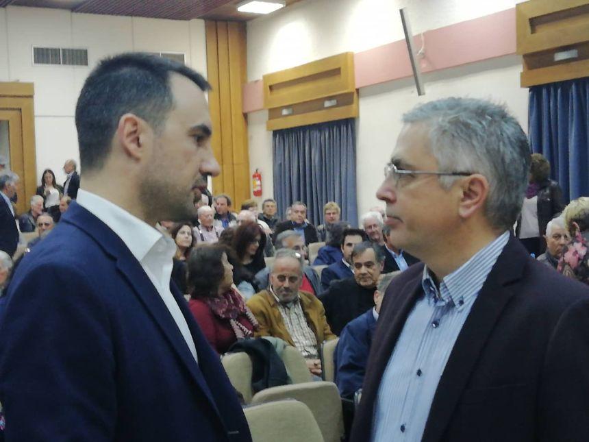 Ο Αλέξης Χαρίτσης με τον Μανώλη Μάκαρη, επικεφαλής του «Ανοιχτού Δήμου - ενεργοί πολίτες»