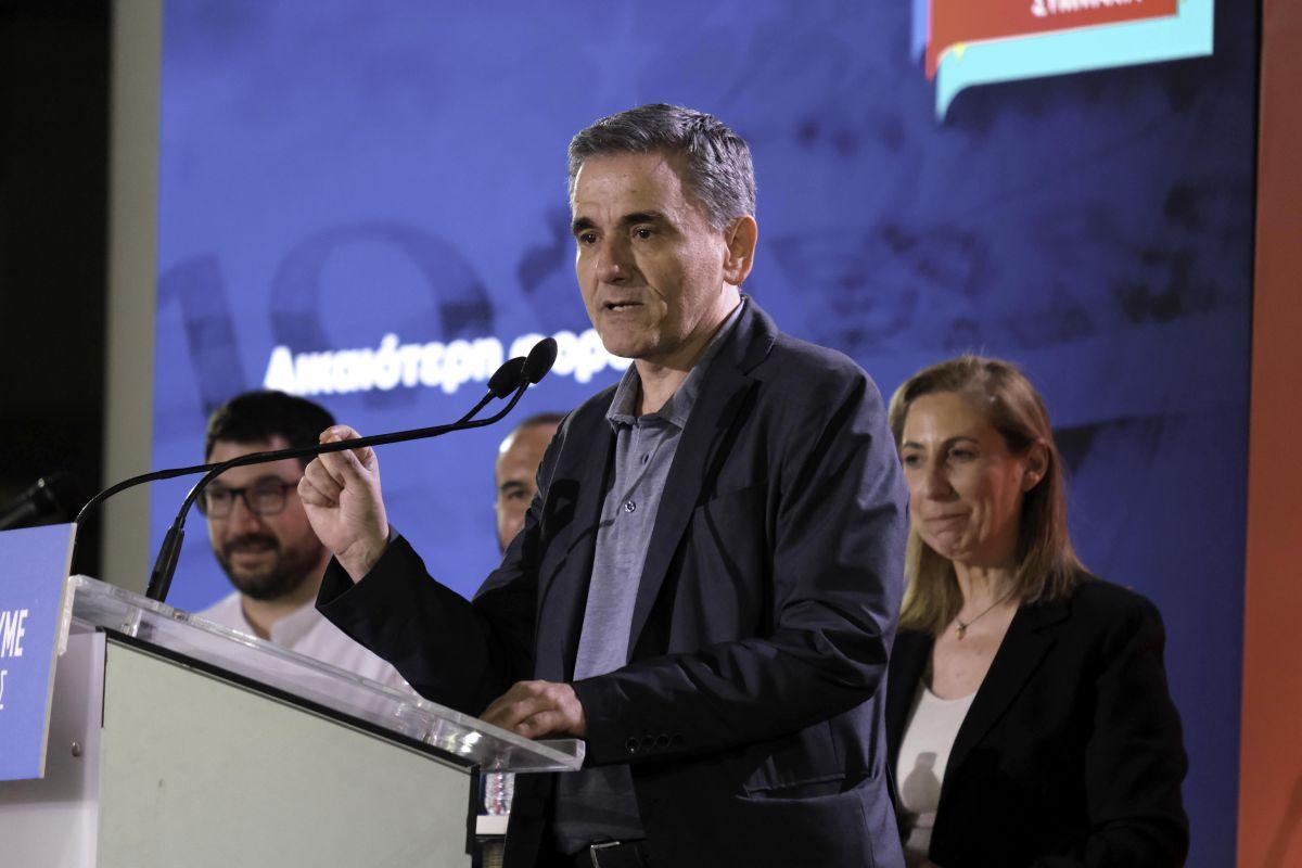 Ευ. Τσακαλώτος: Ένα πράγμα θέλουμε να αποφύγουμε, φοροαπαλλαγές για τους λίγους και συνέχιση της λιτότητας για τους πολλούς