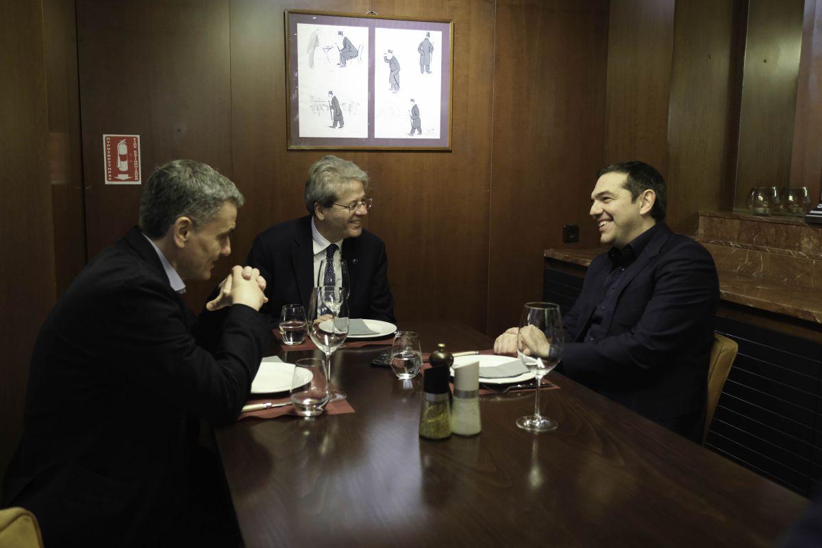 Συνάντηση του Αλέξη Τσίπρα με τον Επίτροπο Οικονομίας της Ε.Ε., Πάολο Τζεντιλόνι
