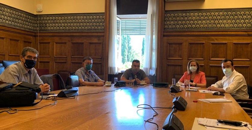 Παππάς-Ξενογιαννακοπούλου-Γιαννούλης: Η Ν.Δ. «παίζει» με τη δημόσια Υγεία, τους εργαζόμενους στα ΜΜΜ και το δημόσιο χρήμα